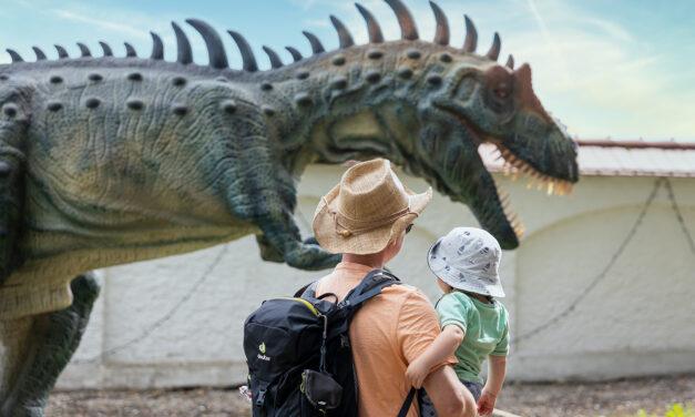 Die Dinos sind los im Schlosspark Tüßling!